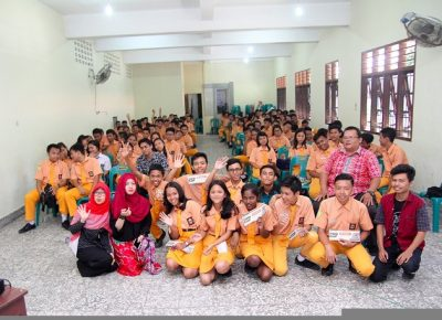 Siswa SMK Grafika Bina Media Ikuti Workshop Industri Kreatif oleh Sanger Production